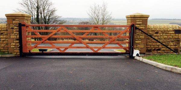 wood-single-gate