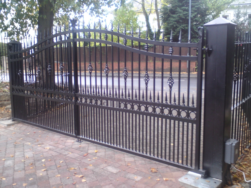 Automatic Gates Keep Your Home Secure